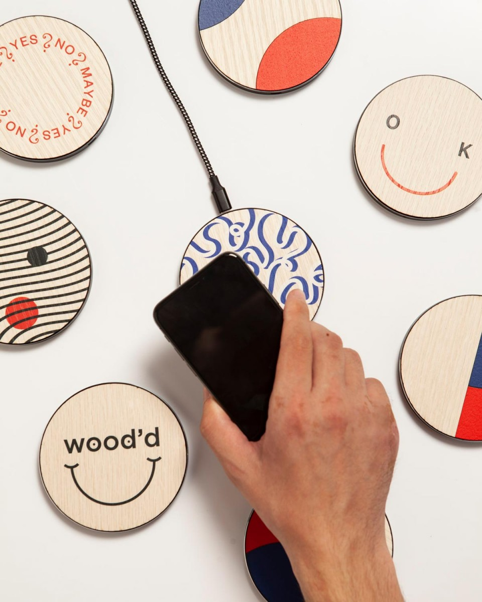 wood'd smile wireless charger_01